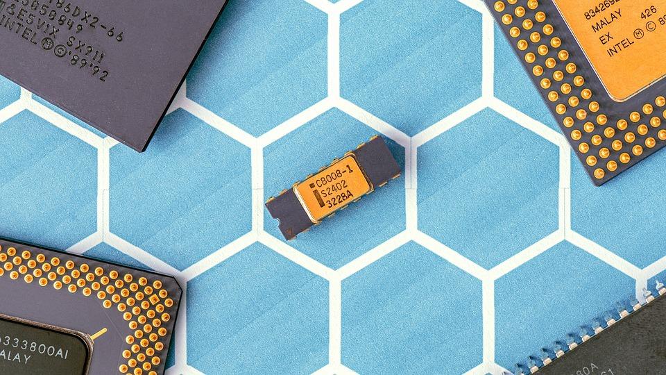 マイクロプロセッサ 8008